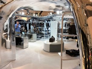 louis-vuitton-interno-massivit-3d